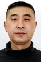 Лю Цян .