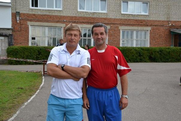 Сергей Коренухин слева.