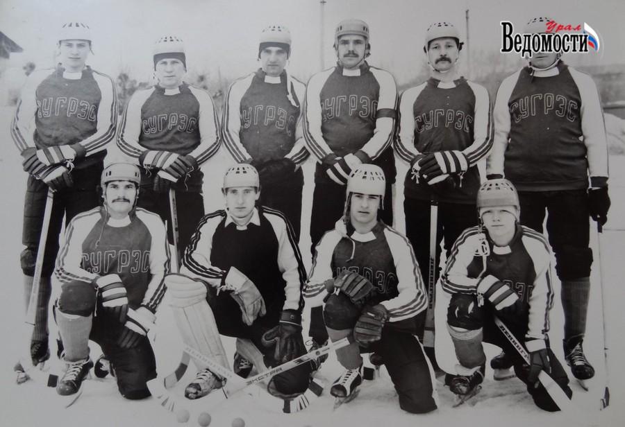 Сергей Мисюков - второй слева в верхнем ряду (Фото vedomosti-ural.ru)