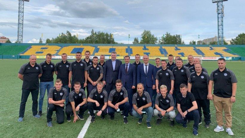 "На встрече с командой ""Водник"" в июле 2020 года (Фото dvinanews.ru)"