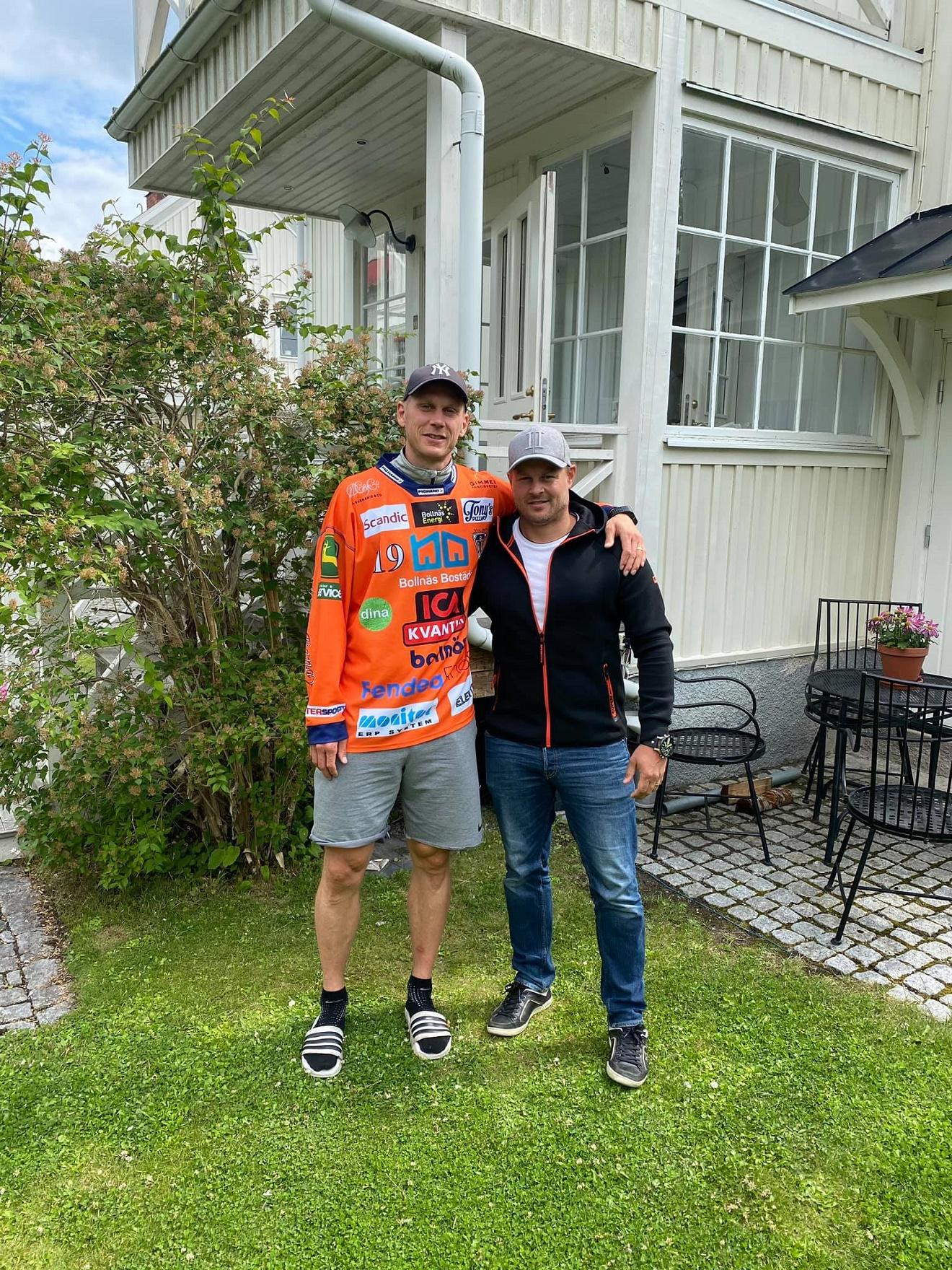 Андреас с Патриком Нильссоном (Фото из аккаунта болельщика в Facebook)