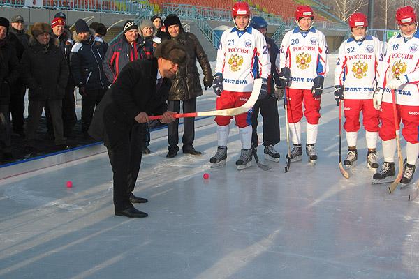Рустам Минниханов на встрече со сборной России перед ЧМ-2011 (Фото business-gazeta.ru)